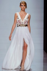 beyaz-uzun-şifon-abiye-elbise-modelleri