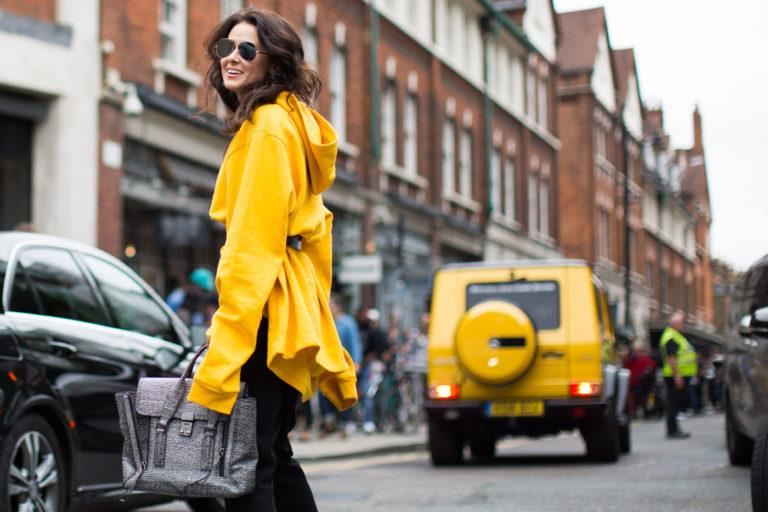 Güneş, Marigold ve Yumurta Sarısı kombinli 10 sokak modası