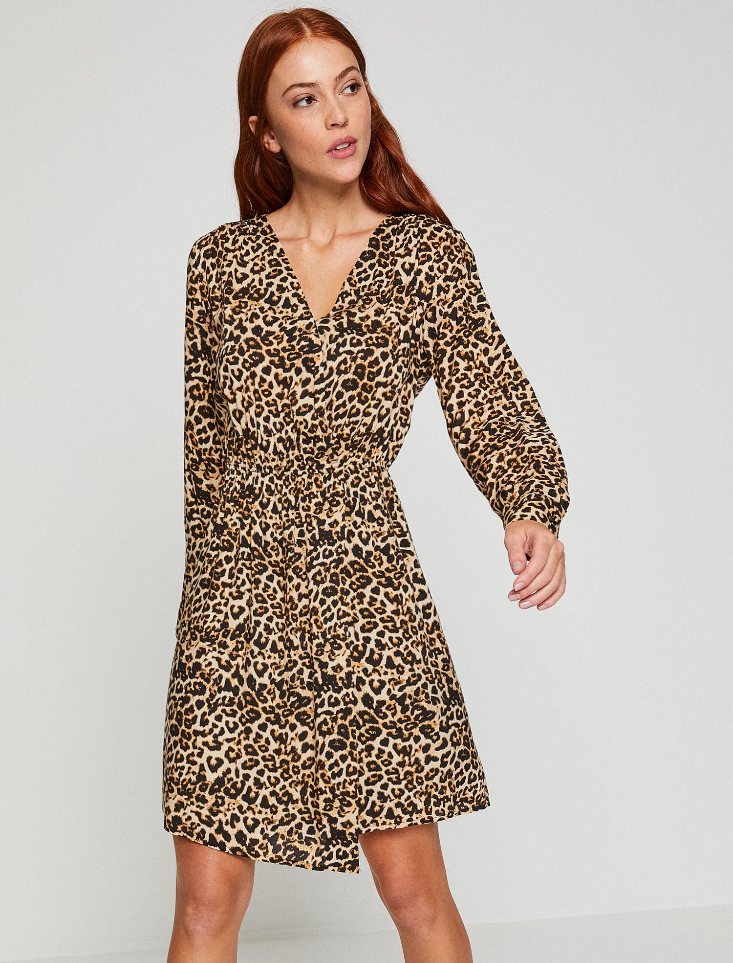 Leopar desenli kıyafetler